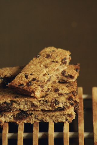 Wonderjacks© – The sugar free gluten free vegan banana and date flapjacks