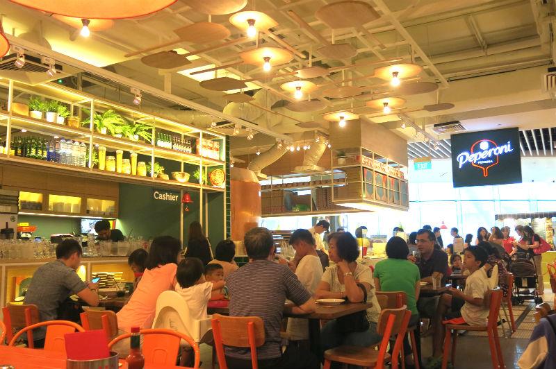 Peperoni Pizzeria Suntec Interior