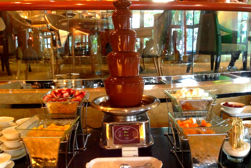 Town Restaurant Chocolate Fondue Fountain
