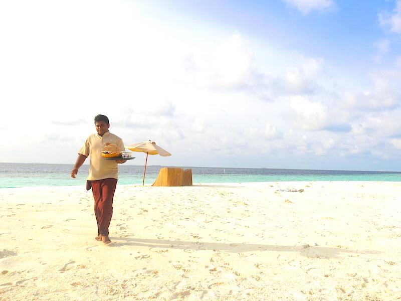 Baros Maldives Sandbank Dining 2