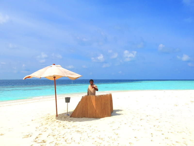 Baros Maldives Sandbank Dining 5