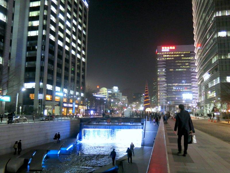 Cheonggyecheong Stream near Cheonggye Plaza