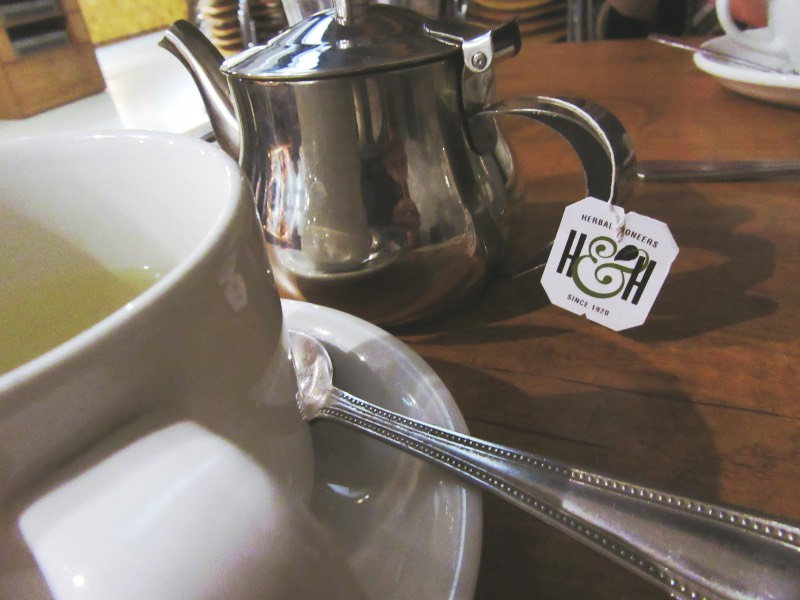 More and Tea Time at Eight Day Cafe