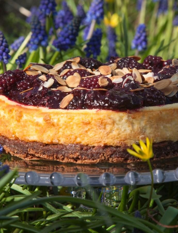Cheesecake met bramen en brownie bodem