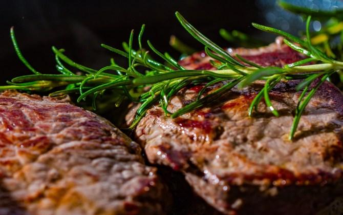 Steak ist ein Eisenlieferant