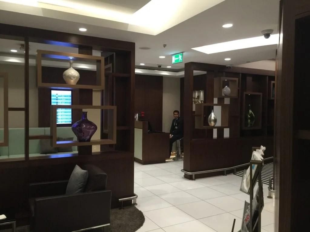 Etihad Arrivals Lounge Abu Dhabi_chauffeur desk