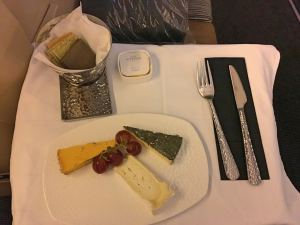 Etihad Business Class EY22 MAN AUH 777-300ER_21_cheese