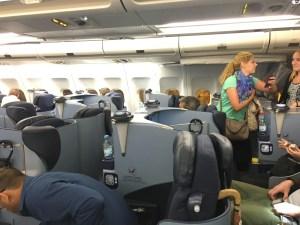 air-berlin-business-class-a330-200-ab-7495-auh-txl_cabin-layout-03