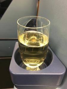 air-berlin-business-class-a330-200-ab-7495-auh-txl_champagne