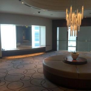Hotel Review JW Marriott Marquis Dubai: elevator lobby