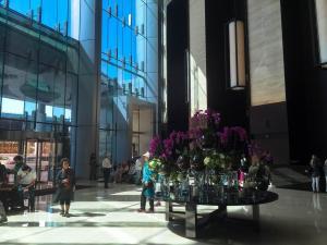 Hotel Review JW Marriott Marquis Dubai: lobby 1