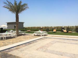 Hotel Review JW Marriott Marquis Dubai: Pool 4