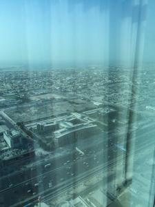 Hotel Review JW Marriott Marquis Dubai Bedroom View: Sheikh Zayed Road