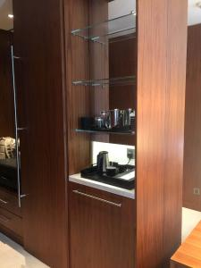 Hotel Review JW Marriott Marquis Dubai: minibar