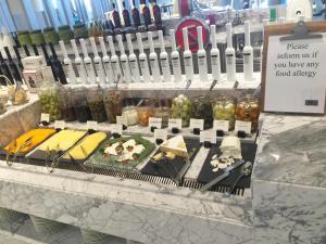 seasonal-tastes-westin-dubai-ahc-breakfast-u_cheese-3