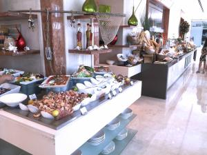 Movenpick JLT Nosh Brunch_Seafood 1
