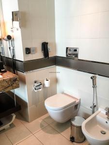 Steigenberger Hotel Dubai Review_bathroom 4