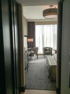 Steigenberger Hotel Dubai Review_bedroom 1