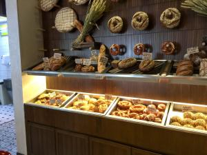 Brothaus Bakery Bistro_bread 4
