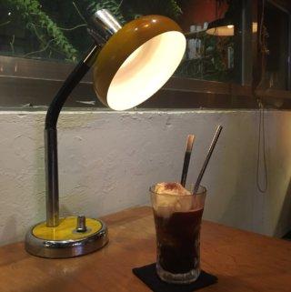 二子咖啡。台南晚上也可以有好吃甜點及咖啡的秘密基地