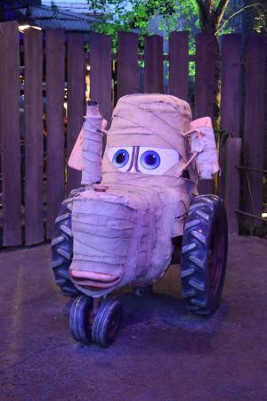 Disneyland Halloween Time 2017 - Mater's Junkyard Jambooree