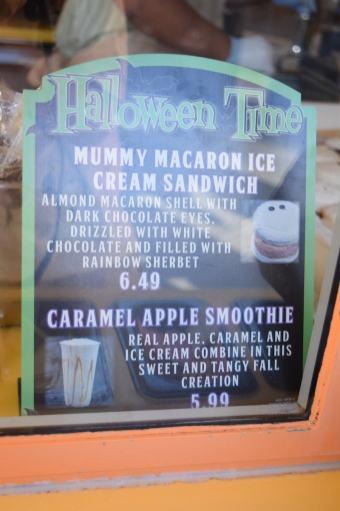 Disneyland Halloween Time 2017 - Mummy Macaron Ice Cream Sandwich Sign
