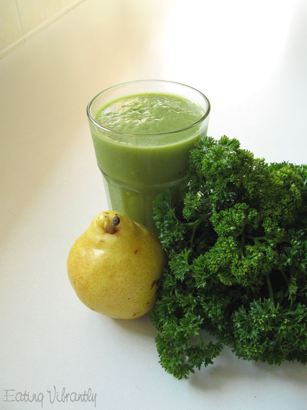 Parsley Pear Green Smoothie