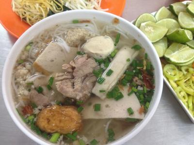Bun Moc - Meat-Filled Hanoi Soup
