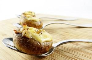 mushrooms stuffed with gouda