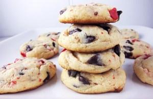 Peppermint Crunch Cookies | www.EatLaughPurr.com #ChristmasCookies #peppermint #chocolatechips