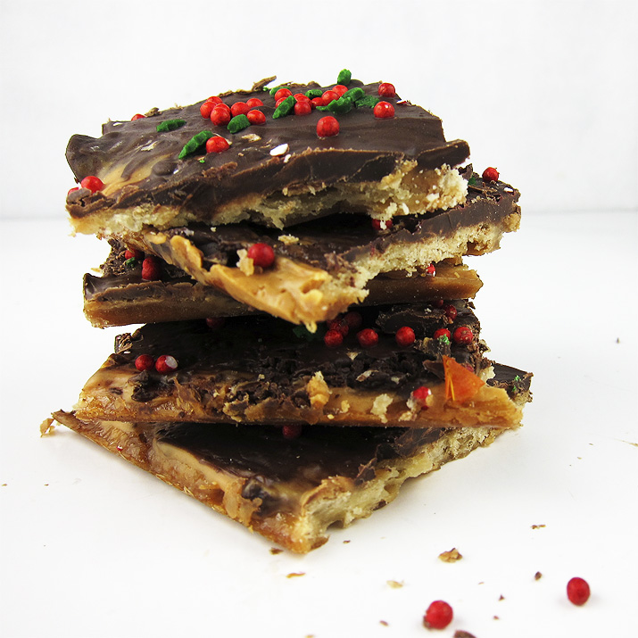 Chocolate Peanut Butter Saltine Toffee | www.EatLaughPurr.com #ChristmasCandy #PeanutButter #Chocolate