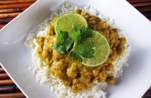 Pumpkin Chickpea Curry | www.EatLaughPurr.com