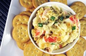 Crab and Artichoke Dip | www.EatLaughPurr.com