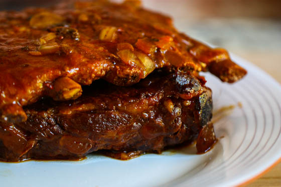 Image source: http://www.eatliverun.com/sweet-spicy-crock-pot-ribs