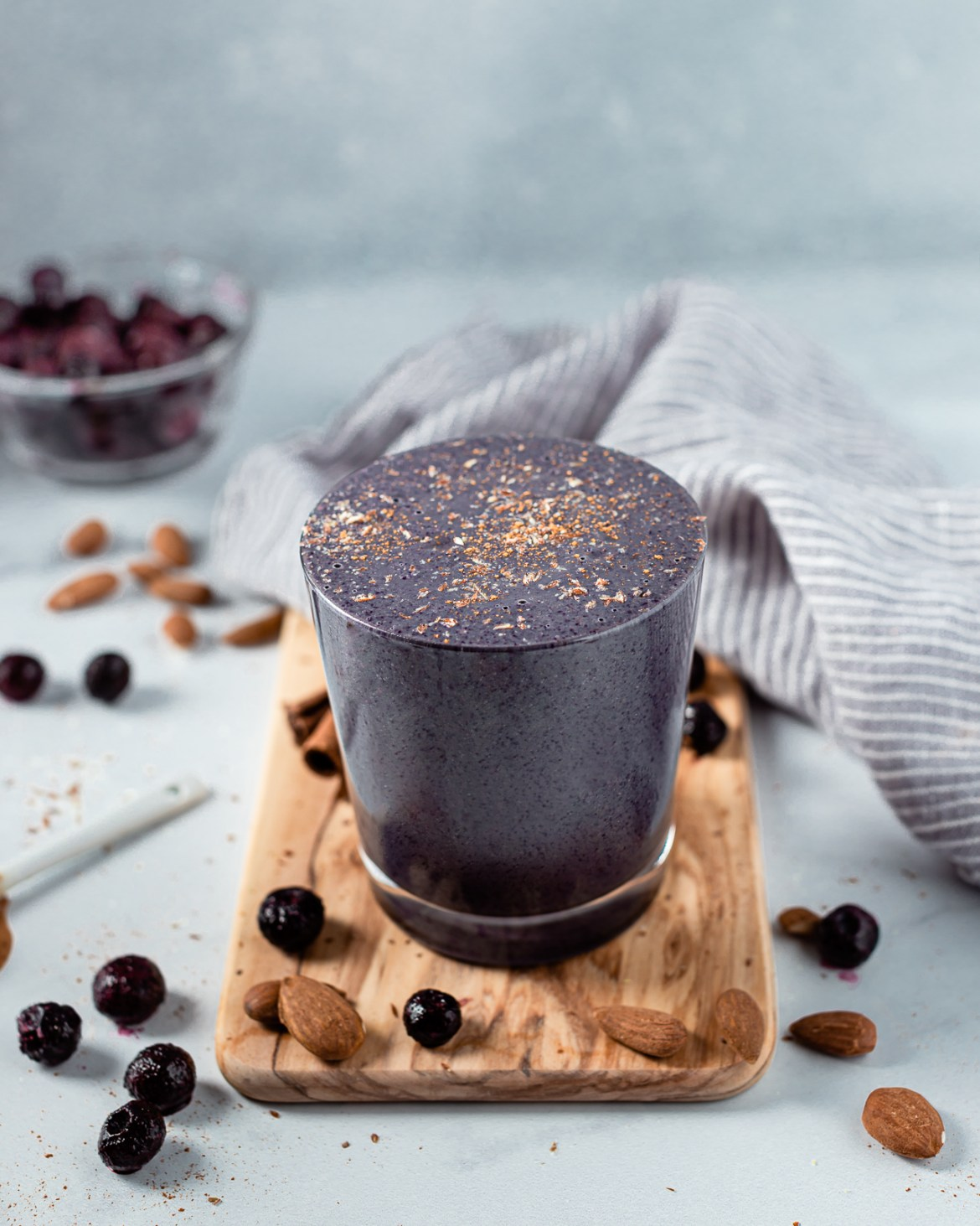 Simple and Healthy Blueberry Smoothie