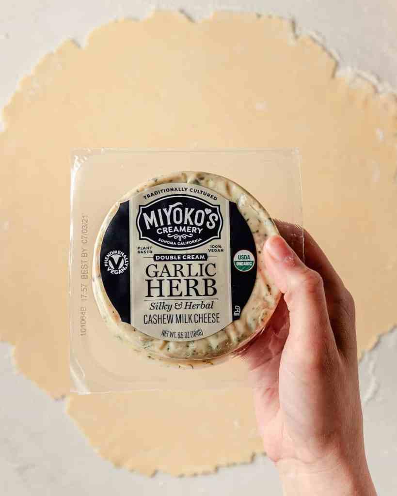miyoko's creamery garlic herb cashew cream cheese