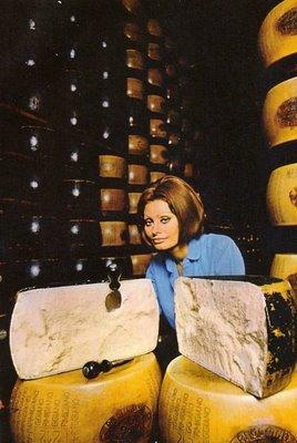Sophia Lorens 1971 Cookbook In Cocina Con Amore  Eat Me
