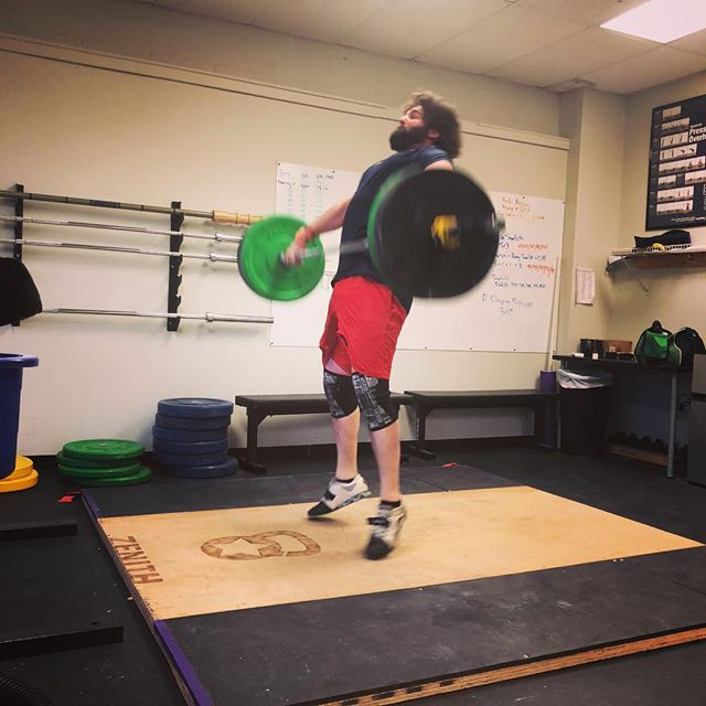 @petoriusmaximus killing it one last time before his new adventure. Look at that extension! Look at that hair flow! Best of luck! For individualized performance and nutrition coaching DM us or follow the link in our bio and Start Today! #eatmorebefit #hairflow #usaw #olympiclifting #weightlifting #lifting #weights #snatch #strong #extension #tripleextension #squats #crossfit #iifym #macros #flaxibledieting #nutrition #diet #exercise #ifpa #personaltrainer #connecticut #usaw