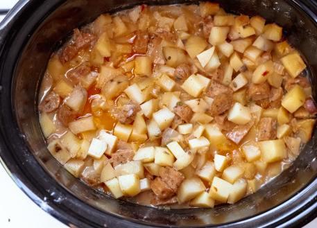 slow-cooker-sausage-recipe-min