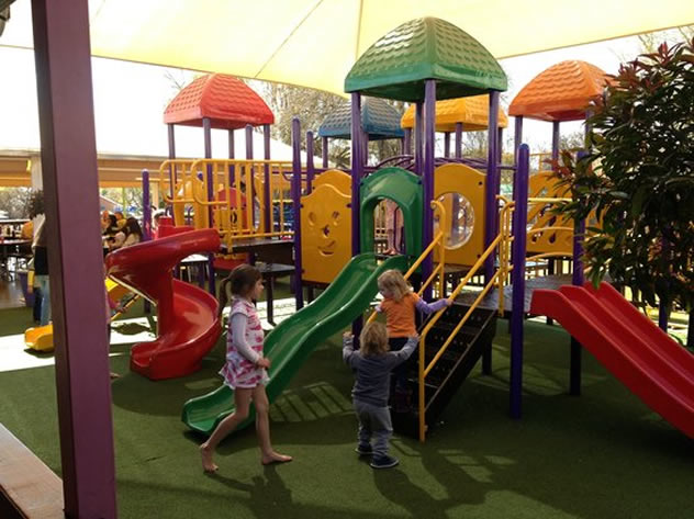 Places Eat Play Area Near Me