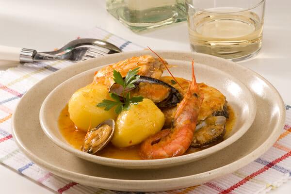 Pirinexus-Cycle-Tour-spanish-cuisine-seafood-stew-costa-brava-style