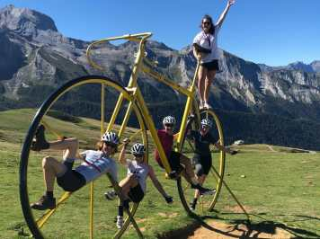 Womens-Cycling-Pyrenees-Aubisque-Team
