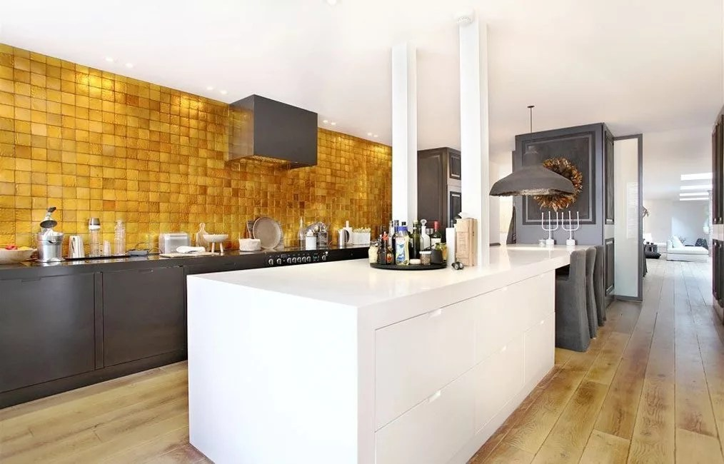 gold kitchen stoves at lowes 8 golden backsplashes that will totally make you swoon eatwell101 we are completely swooned by these