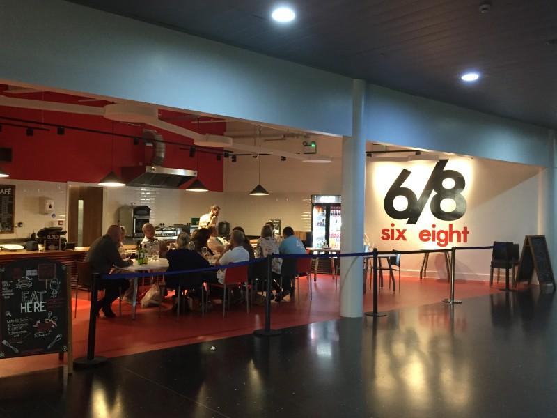 Exterior shot of En Place pop-up at 6/8 Kafe