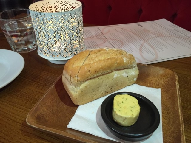 Mini loaf and garlic butter at the Rose and Crown, Warwick
