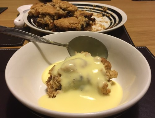 Mincemeat slice and custard