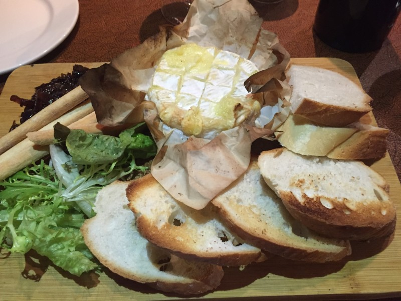 Baked camembert at 1709 Lichfield