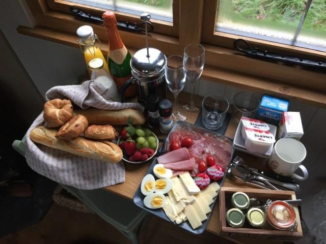 Breakfast at a shepherds hut