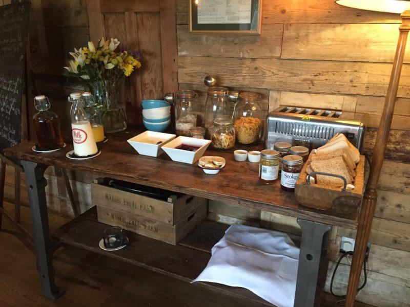 Breakfast at the Ragged Cot, Minchinhampton