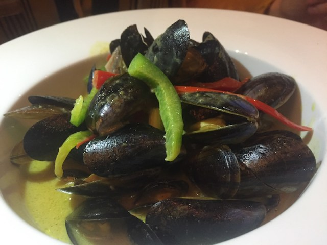 Steamed Mussels at the Giggling Squid